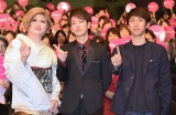 映画『何者』学生限定試写会に登壇した(左から)IKKO、佐藤健、原作者の朝井リョウ氏 (C)ORICON NewS inc.