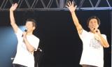 昨年の『Act Against AIDS 2015』で進行を務めた(左から)寺脇康文、岸谷五朗