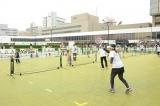 写真はテニススクールのイメージ
