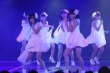 SKE48劇場デビュー8周年前夜祭「ミッドナイト公演」より「Virgin love」(C)AKS