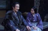 NHK大河ドラマ『真田丸』第40回「幸村」より。ある人物が信繁を訪ね、それを見ていたきり(長澤まさみ)は…(C)NHK