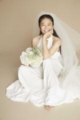 純白のウエディングドレス姿を披露した澤穂希