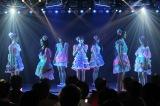 JKT48の1期生とともに「夢の河」を熱唱した仲川遥香(C)JKT48 Project