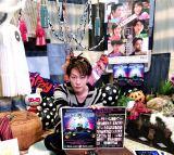 ハロウィンイベントで高橋優とユニットを結成すると発表した佐藤健