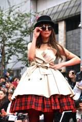 西内まりやが渋谷で路上ファッションショー (C)ORICON NewS inc.