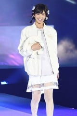 『GirlsAward 2016 AUTUMN/WINTER』に登場した欅坂46の渡邉理佐(写真:鈴木かずなり) (C)oricon ME inc.