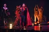 国内最大級のハロウィンイベント『ジャック・オー・ランド』のステージ上でヴァンパイアの仮装でパフォーマンスを行ったディーン・フジオカ (C)ORICON NewS inc.