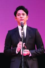 """""""ARIGATO賞""""を受賞した妻夫木聡 (C)2016 TIFF"""