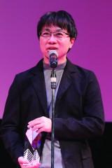 """""""ARIGATO賞""""を受賞した新海誠監督 (C)2016 TIFF"""
