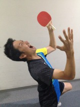 男子日本卓球代表・水谷隼選手選手の銅メダル獲得を祝福した波田陽区