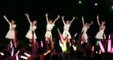 【ライブの模様】(左から)森戸知沙希、梁川奈々美、小関舞、嗣永桃子、船木結、山木梨沙