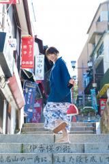『ヤングマガジン』で初の温泉でのグラビアに挑戦した久松郁実 (C)唐木貴央/ヤングマガジン