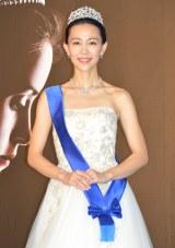 総額1億1千万ジュエリー&ドレスを身に着けて登場した木村佳乃 (C)ORICON NewS inc.