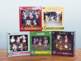 『スペシャルコンプリートBOX賞』全5種 (c)Disney (c)Disney. Based on the