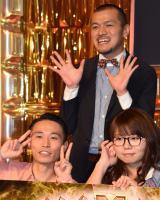『M-1グランプリ2016』決勝進出を決めたカミナリ(後列、前列左) (C)ORICON NewS inc.