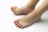 足のしびれや身体の金縛りは、英語ではどのように表現する?