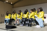 ホール向かいの天神コア屋上特設会場で行われたステージイベント(トークイベント)(C)AKS