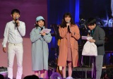 高橋愛(左から2番目)やNON STYLEらとトークショーに登場した新川優愛 (C)oricon ME inc.