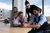 遠隔会議では通信状況が不安定なときがある。その際に役立つ英語表現を紹介!