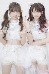 (左から)The Idol Formerly Known As LADYBABYの黒宮れい、金子理江(写真:ウチダアキヤ)