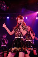 「LOVE TRIP」を披露したAKB48=『第3回 AKB48ステージファイター特別劇場公演』