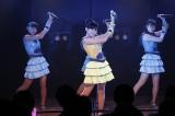 「渚のCHERRY」を歌った(左から)安田叶、田口愛佳、武藤小麟 (C)AKS