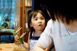 川本モモ役の新津ちせ(C)2017 映画「3月のライオン」製作委員会