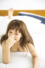 初スタイルブック『She is my girl』を発売する「インスタの女神」わたなべ麻衣(主婦と生活社)