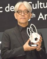 『第25回モンブラン国際文化賞』授賞式に出席した坂本龍一 (C)ORICON NewS inc.
