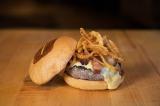 本国で展開しているメニュー『Manly Burger』