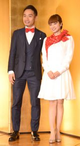 婚約会見を行った(左から)長友佑都、平愛梨 (C)ORICON NewS inc.