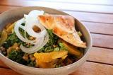 ケールを使ったサラダなどもハワイでは人気 (C)oricon ME inc.