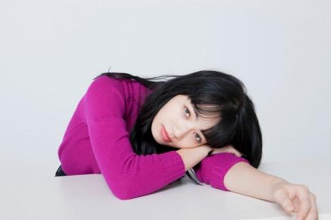 ミステリアスな雰囲気と透明感のあるたたずまいで見る人を魅了する小松菜奈(撮影:逢坂 聡) (C)oricon ME inc.