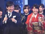 『第67回紅白歌合戦』リハーサル4日目に参加した(左から)武田真一アナ、有村架純 (C)ORICON NewS inc.