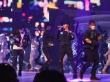 100人のLEDダンサーとパフォーマンスした三代目 J Soul Brothers (C)ORICON NewS inc.