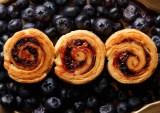 『ロールアップトースト ブルーベリー』