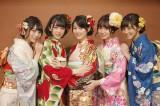 東京・乃木神社で成人式を行った(左から)北野日奈子、堀未央奈、生田絵梨花、中元日芽香、斎藤ちはる