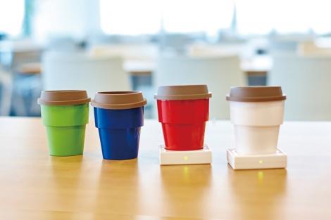 卓上で使い捨てカップを保温できる「USBインサートカップウォーマー」