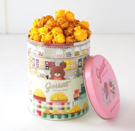 ジャッキーの店員姿がキュートなオリジナルデザイン缶