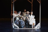 舞台『大逆走』フォトコールの模様 撮影:細野晋司