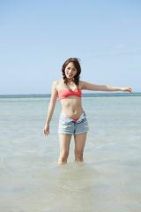 開放感あるビーチでのカットも 撮影 :富取正明