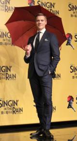 ミュージカル『「SINGIN' IN THE RAIN〜雨に唄えば〜」来日記念特別会見』に出席したアダム・クーパー (C)ORICON NewS inc.
