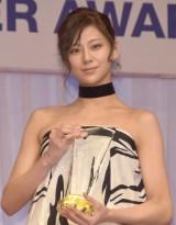 『第28回 日本ジュエリー ベストドレッサー賞』表彰式に出席した西内まりや (C)ORICON NewS inc.