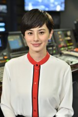 4月3日よりTBS系夕方のニュース番組『Nスタ』(月〜金 後3:50〜)のキャスターを務めるホラン千秋 (C)TBS