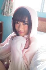中井りか=『AKB48 れなっち総選挙選抜写真集 16colors』(徳間書店)