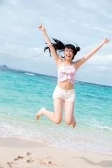 長久玲奈=『AKB48 れなっち総選挙選抜写真集 16colors』(徳間書店)