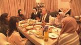 2月28日放送、NHK・Eテレ『みちたび!』より。茨城県牛久市のイスラム教徒の家でホームステイ(C)NHK