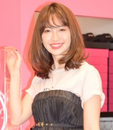期間限定ショップ『22;market』のプレスプレビューに出席したAKB48・小嶋陽菜 (C)ORICON NewS inc.