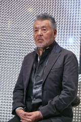 『カラオケレインボー 1万人の歌謡曲』を開催する作曲家の中村泰士氏