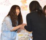 ロクシタン『チェリーブロッサム誕生10周年イベント』に出席したmiwa(左) (C)ORICON NewS inc.